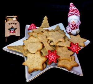 Biscuits de Noel au miel et 4 epices 10 scaled