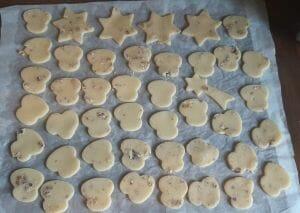 Biscuits de Noel aux noix 11 scaled