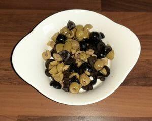 Fougasse aux olives noires et vertes 2