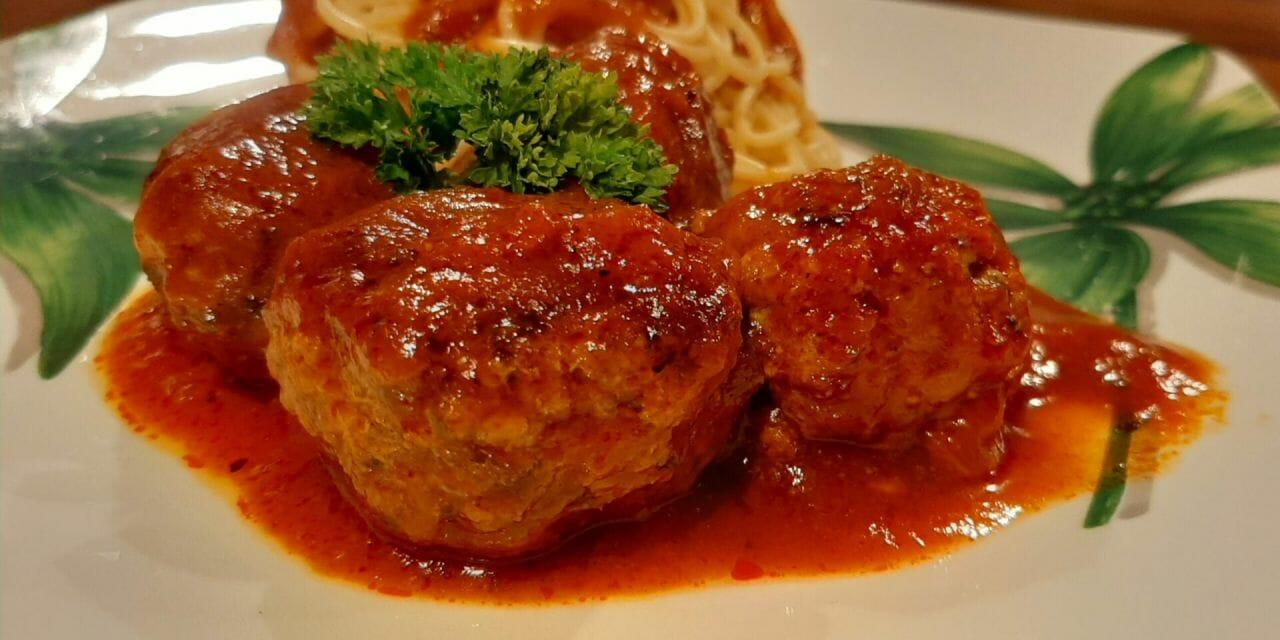 Recette de Boulettes de viande à la sauce tomate et mozzarella