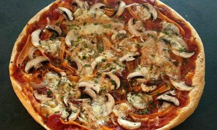 Recette d'une Tarte façon pizza aux légumes et munster/morbier
