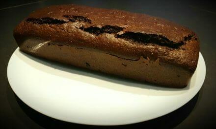 Recette de Cake moelleux à la noisette et au chocolat