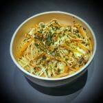 Recette de Nouilles sautées aux carottes, aux champignons et aux œufs