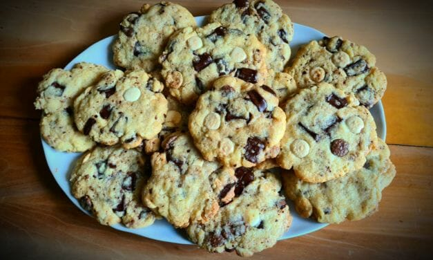 Recette de Cookies moelleux aux deux chocolats de Cyril Lignac