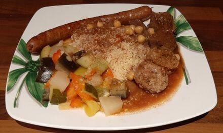 Recette de Couscous maison aux légumes, agneau, bœuf, boulette et merguez