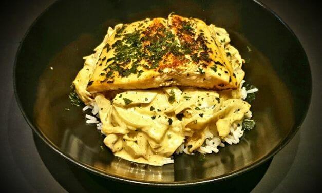 Recette de Saumon au curry rouge, lait de coco et coriandre (accompagné de riz)