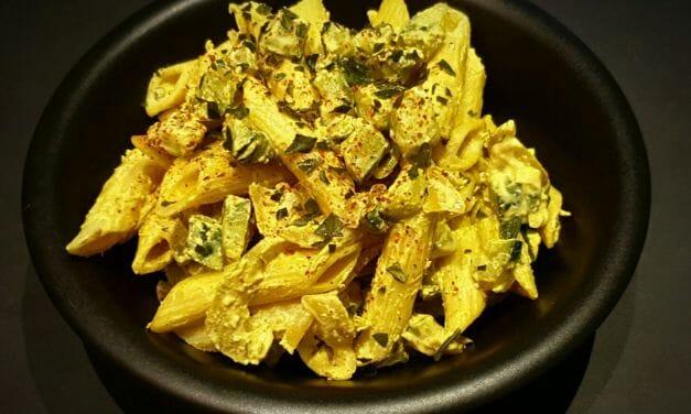 Recette de Penne à la crème, courgette et épices (vegan)