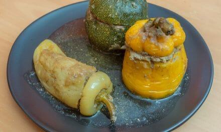 Recette de Trio de légumes farcis (courgette ronde, poivron jaune et poivron hongrois)
