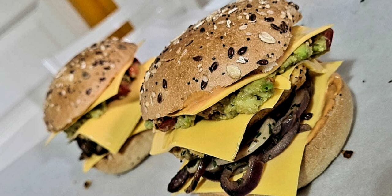 Recette de Burger végétarien maison (accompagné de son steak végétal)