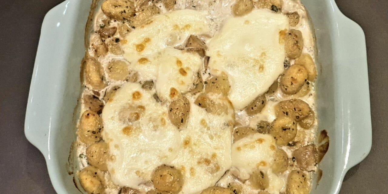 Recette de Gnocchis sauce aux champignons gratinés à la mozzarella
