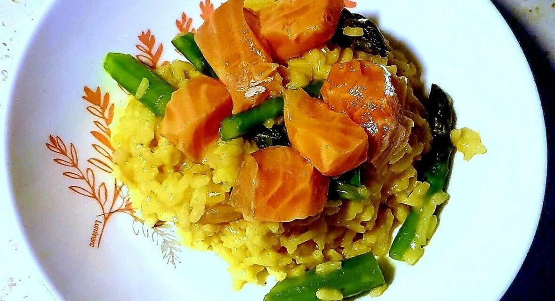 Recette de Risotto asperges vertes, orange et saumon mariné de Cyril Lignac