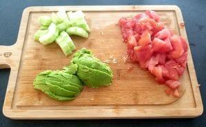 Salade concombre tomate avocat
