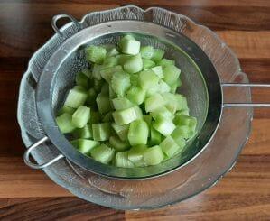 Tarte à la rhubarbe et aux framboises sur pâte sablée
