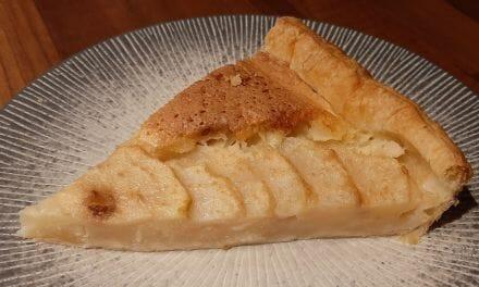 Recette Tarte aux poires fraîches avec poudre d'amande et pâte feuilletée